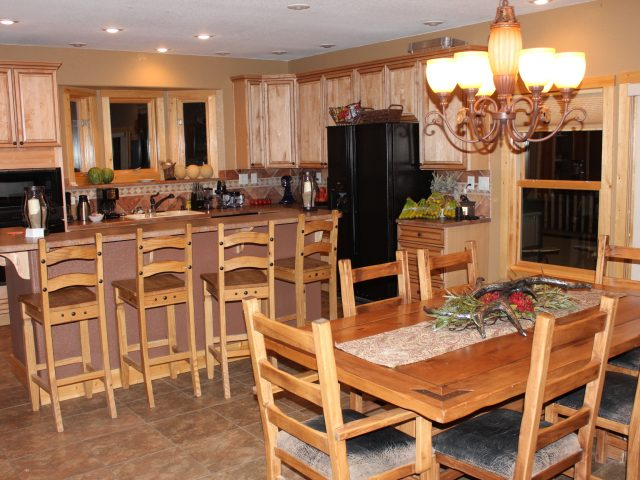Split-Rock-Ranch-Kitchen-Dining